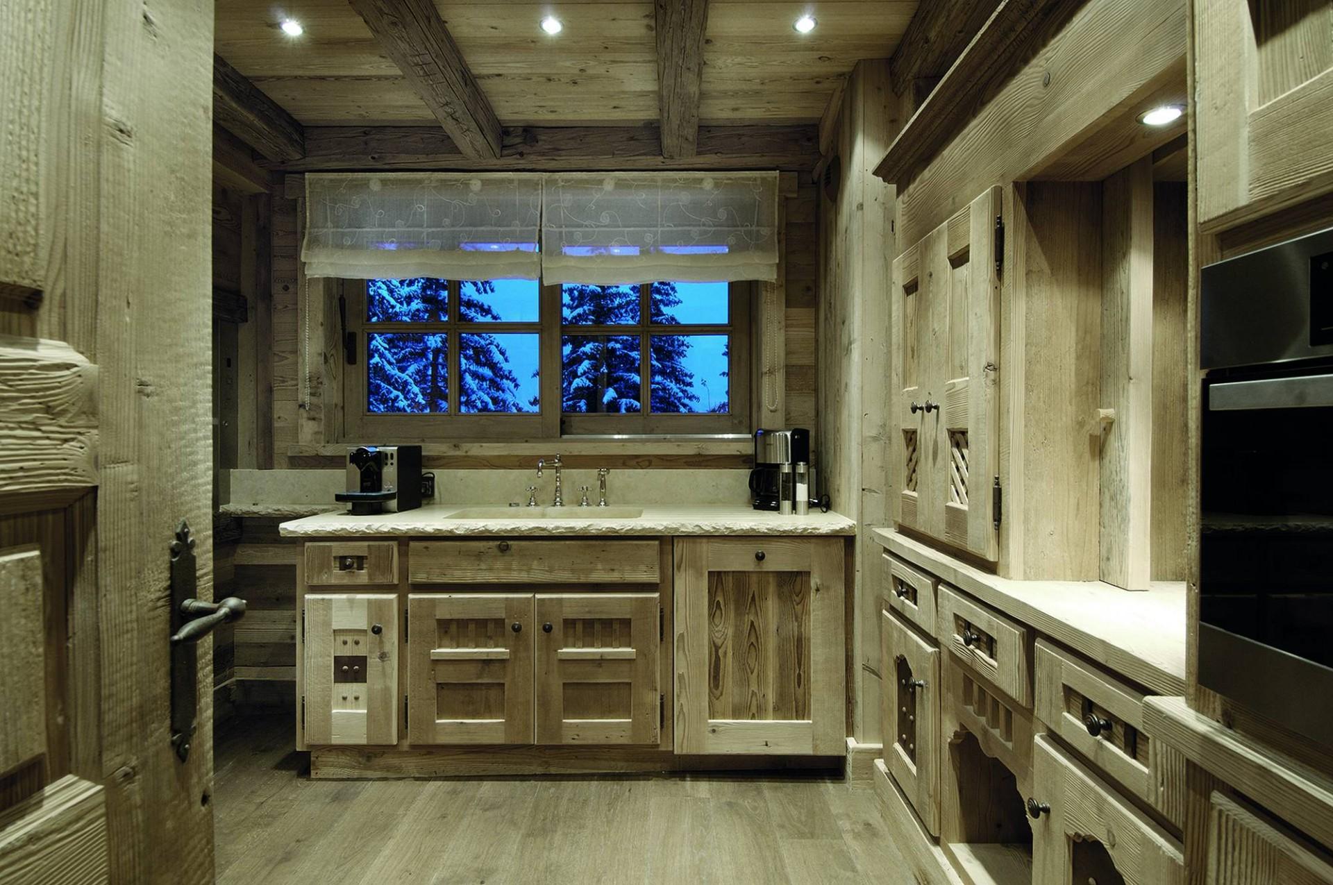 Courchevel 1850 Luxury Rental Chalet Bepalite Kitchen