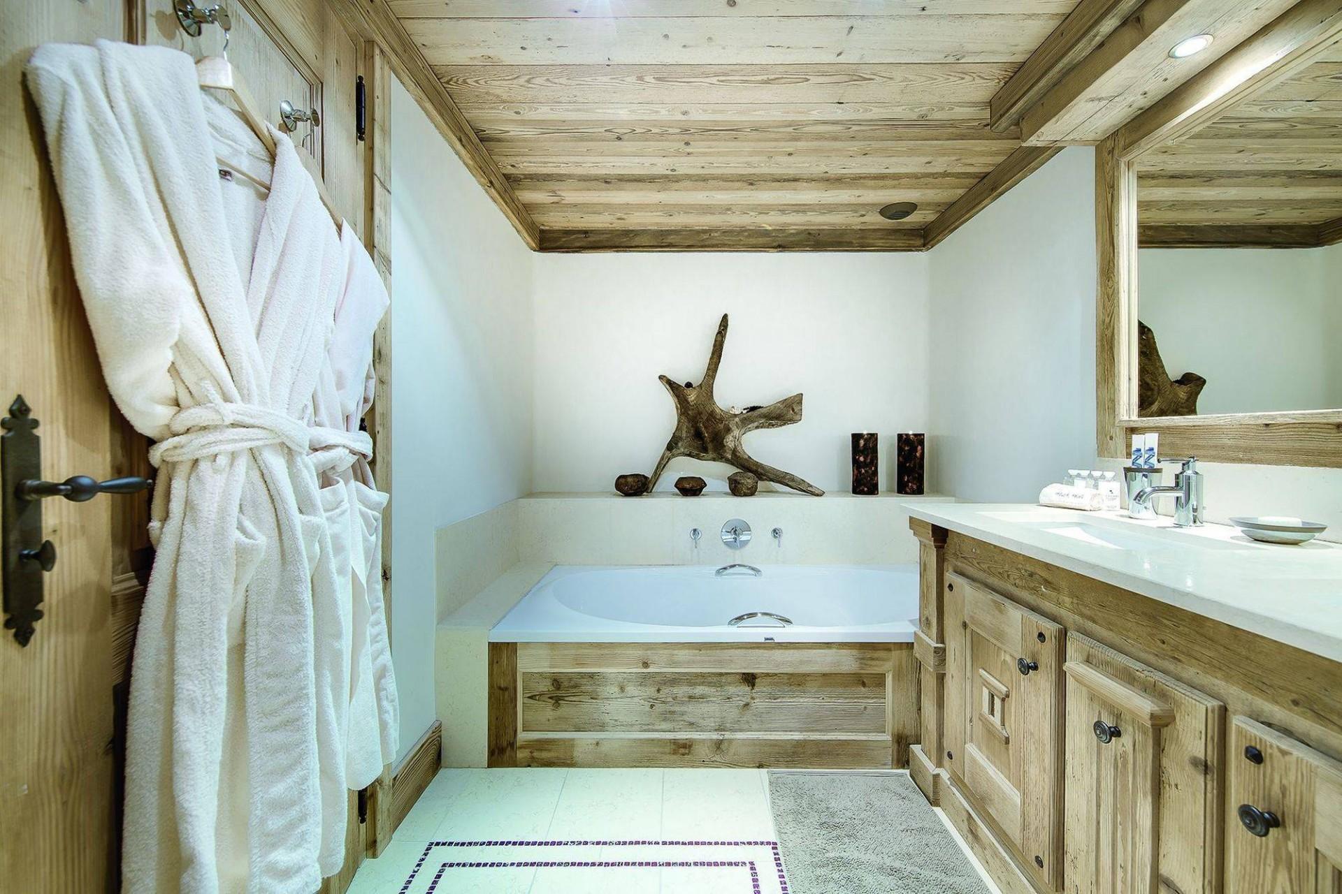 Courchevel 1850 Luxury Rental Chalet Bepalite Bathroom 2