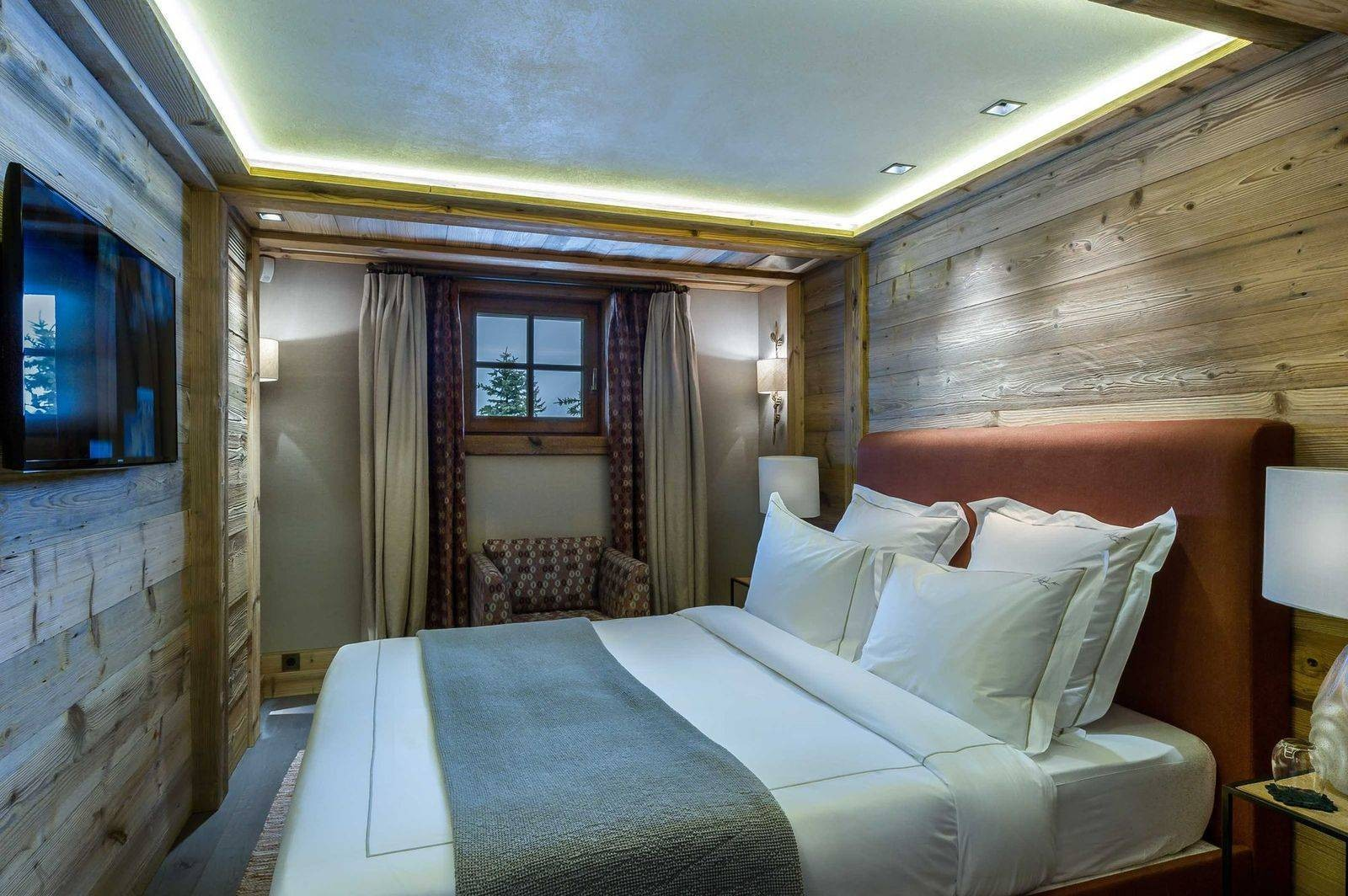 Courchevel 1850 Luxury Rental Chalet Chursinite Bedroom 7