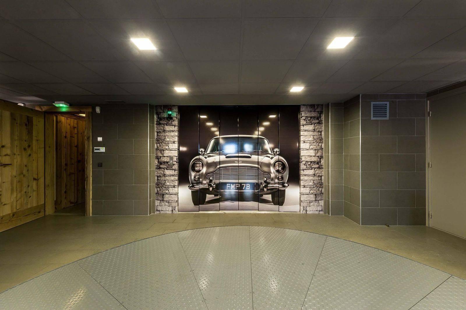 Courchevel 1850 Luxury Rental Chalet Chursinite Garage