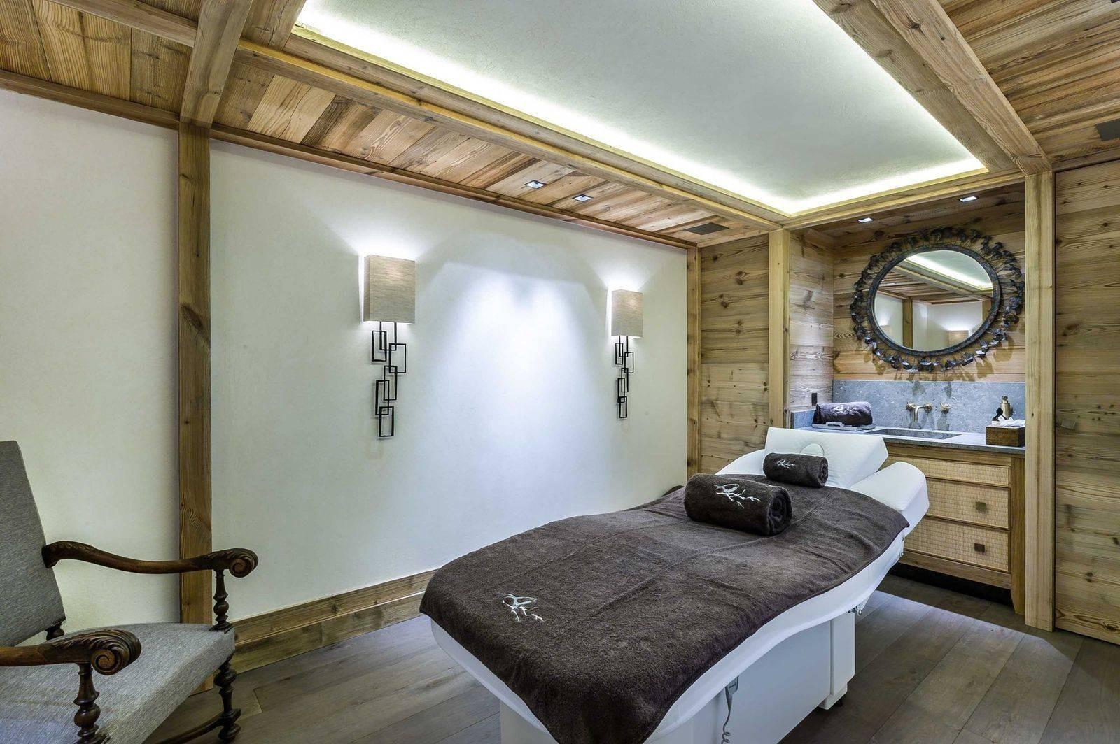 Courchevel 1850 Luxury Rental Chalet Chursinite Massage Room