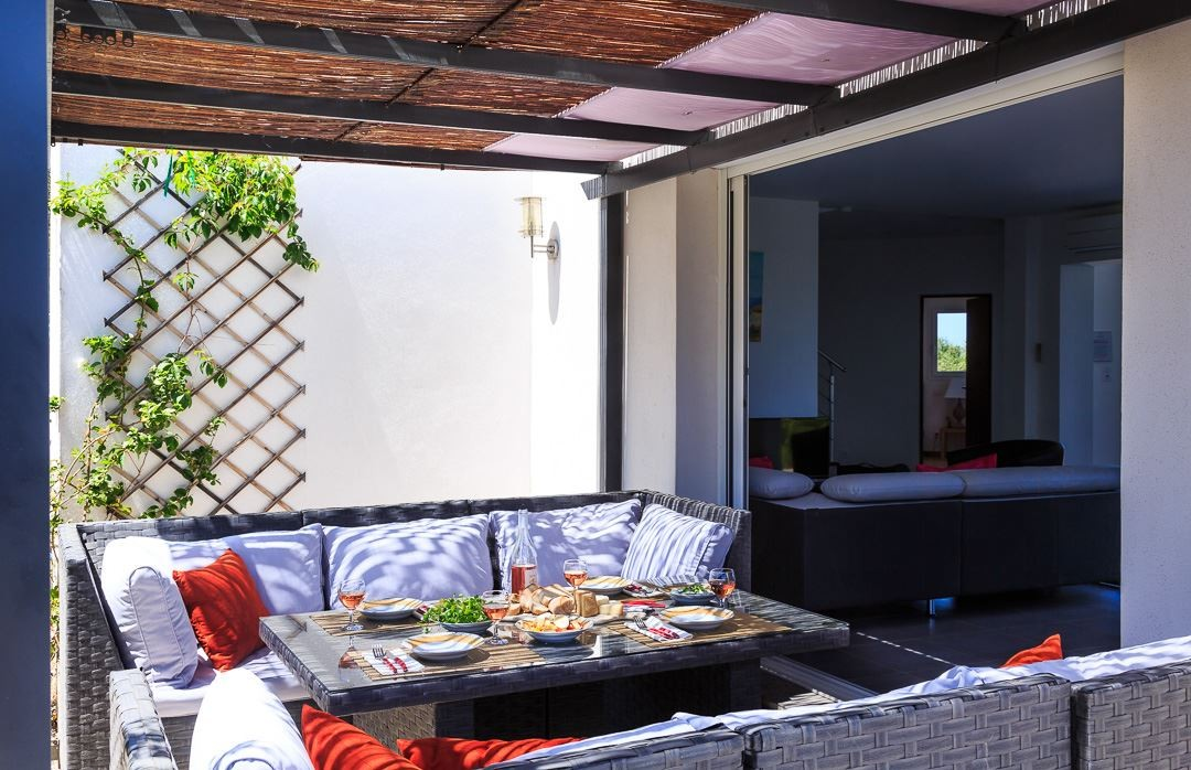 Ile Rousse Location Villa Luxe Artizite Table A Manger