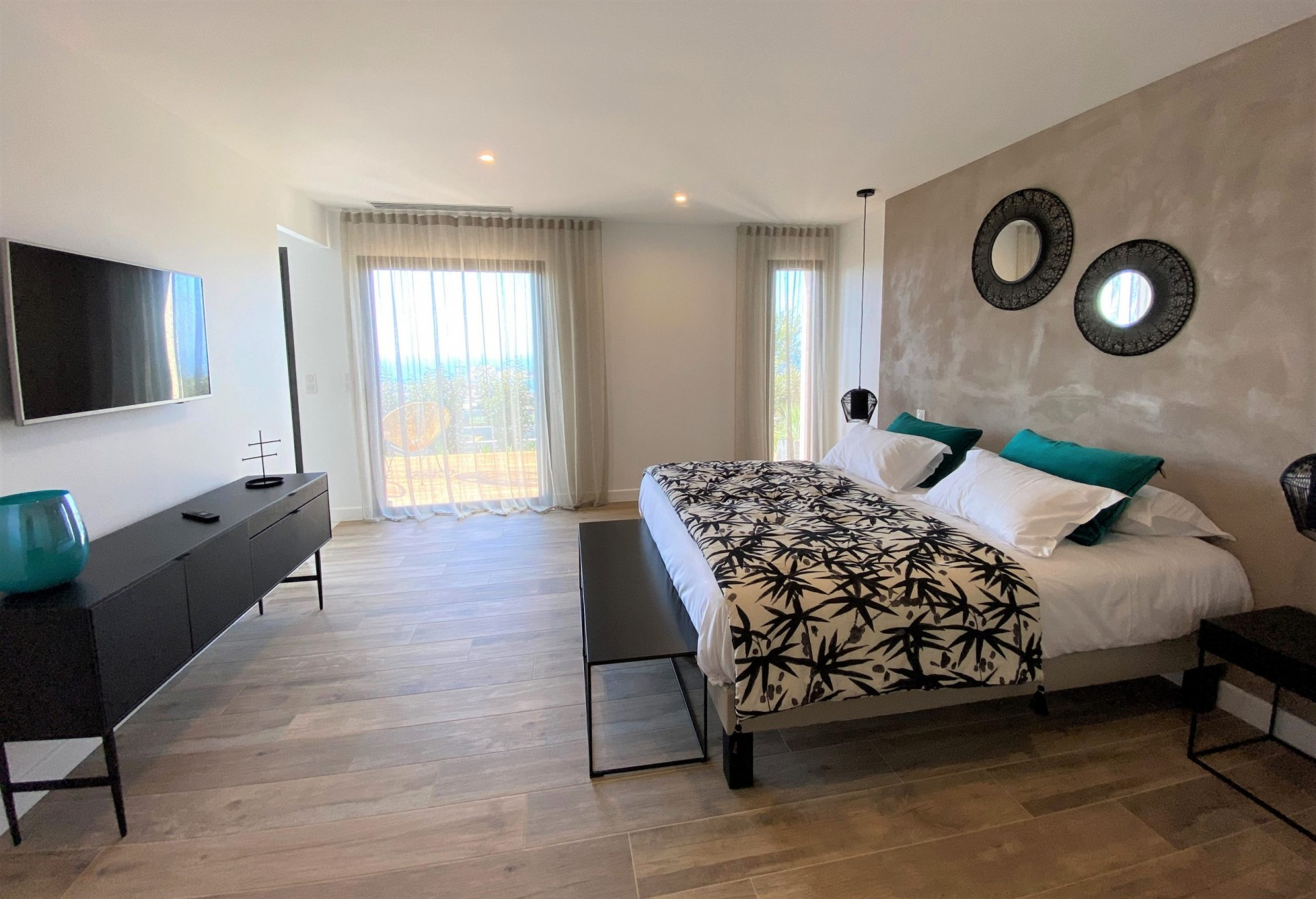 Ile Rousse Luxury Rental Villa Iris Violet Bedroom