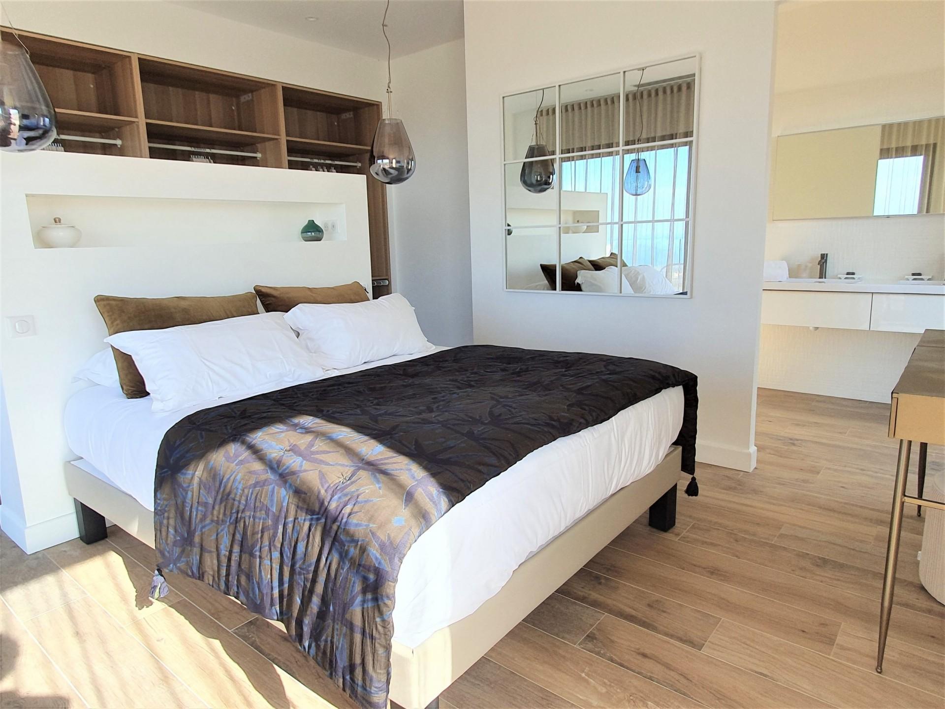 Ile Rousse Luxury Rental Villa Iris Violet Bedroom 5