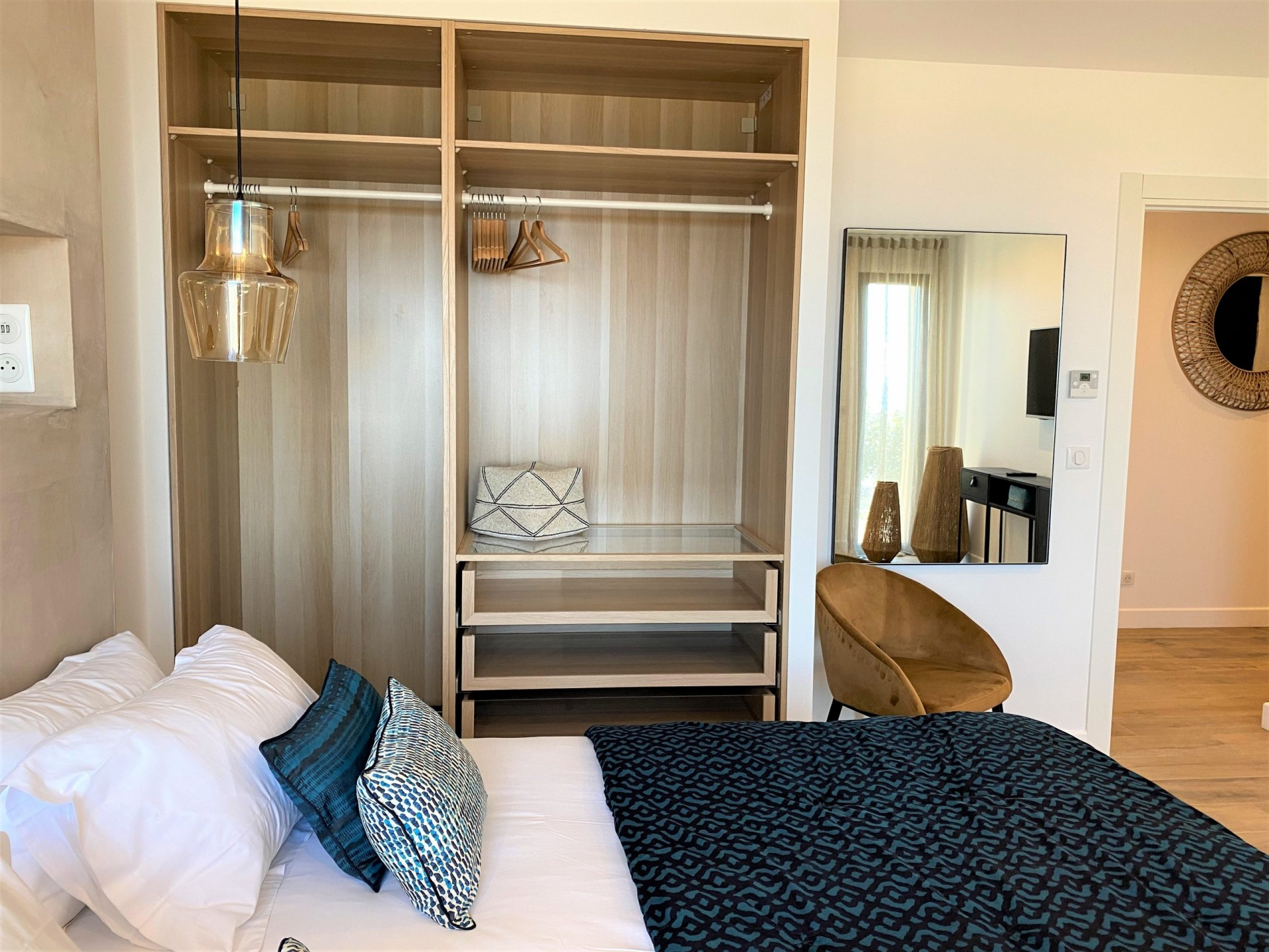 Ile Rousse Luxury Rental Villa Iris Violet Bedroom 7