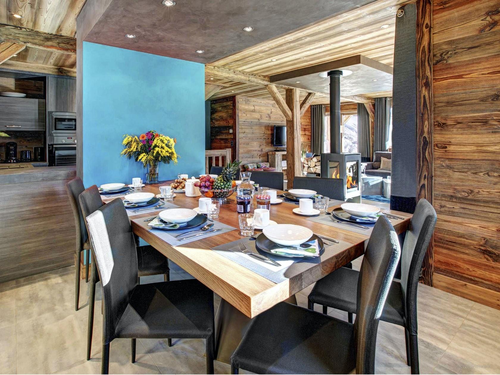 La Clusaz Location Chalet Luxe Lewidite Table A Manger