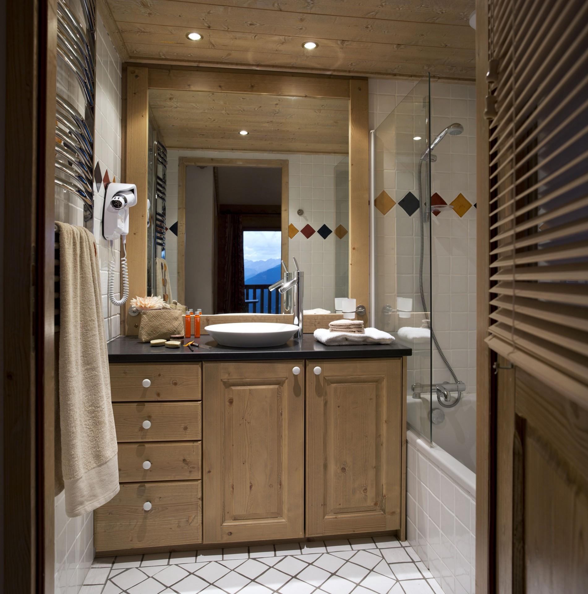 La Plagne Location Appartement Dans Résidence Luxe Jalute Salle De Bain