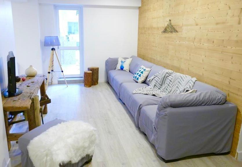 Les Deux Alpes Rental Apartment Luxury Wulfenite Living Room 1