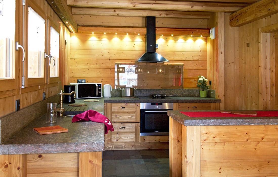 Les Deux Alpes Rental Chalet Luxury Cervantote Kitchen