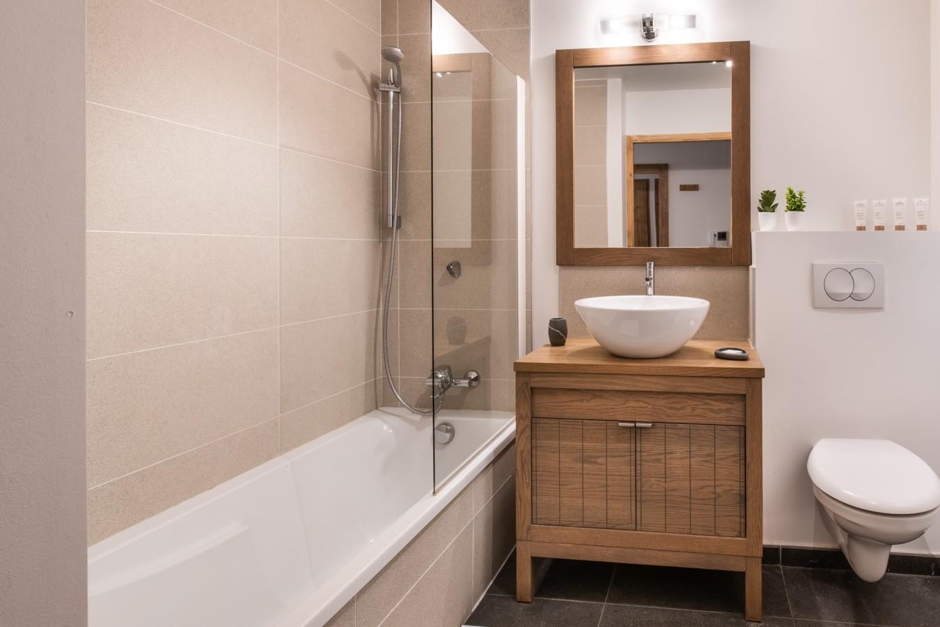 Les Gets Luxury Rental Appartment Anrelle Bathroom 2