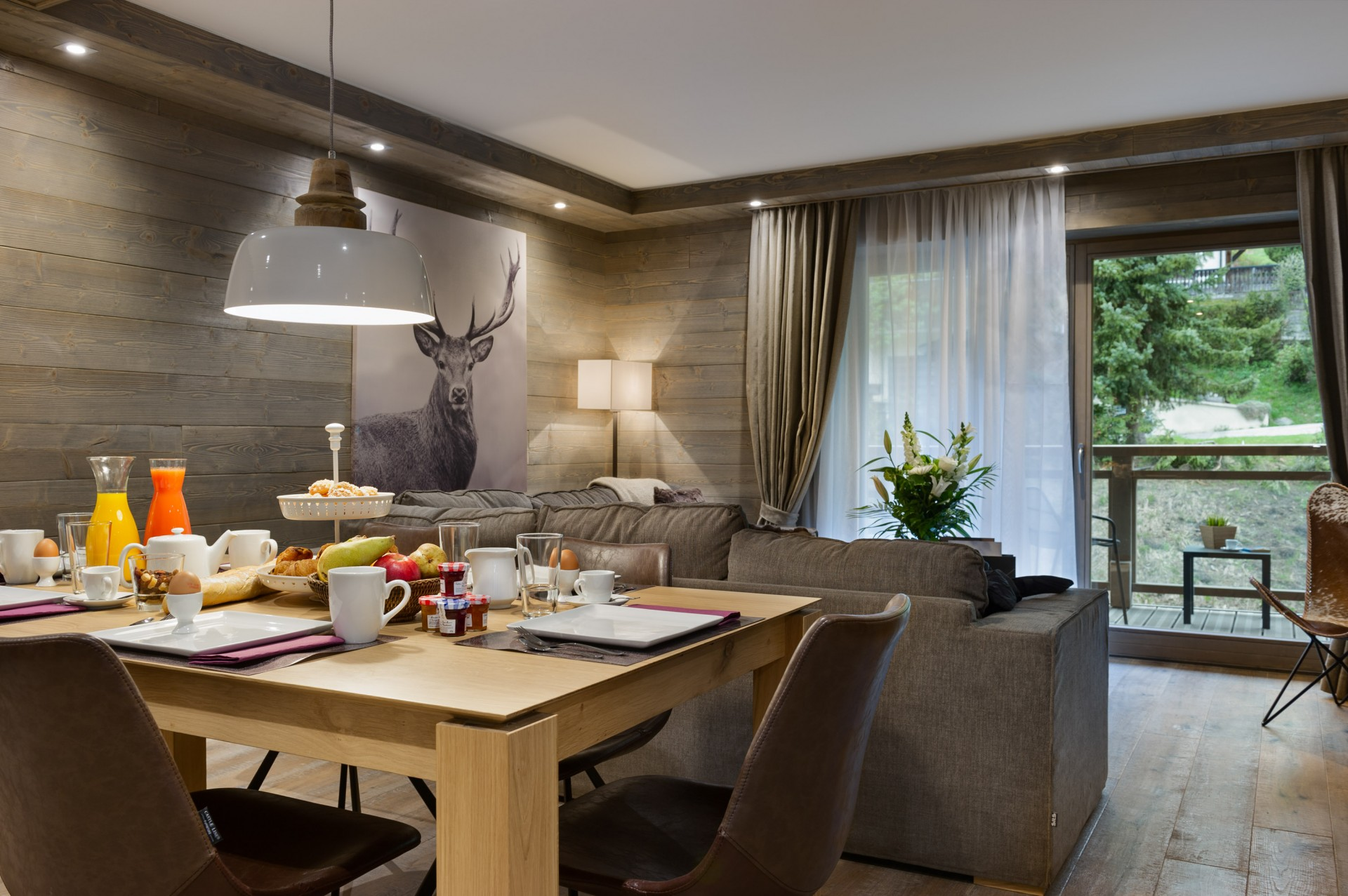 Les Gets Location Appartement Luxe Anroche Salle A Manger 2