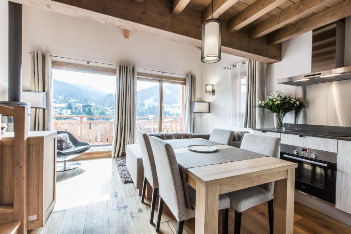 Les Gets Luxury Rental Chalet Ancalie Dining Room