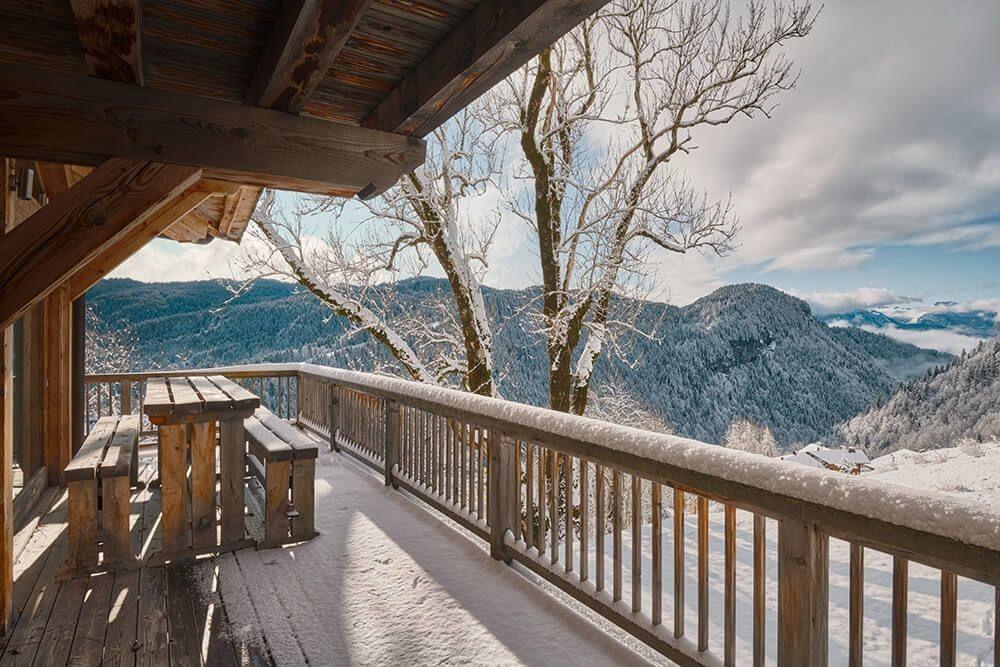 Les Gets Luxury Rental Chalet Gedrite Balcony