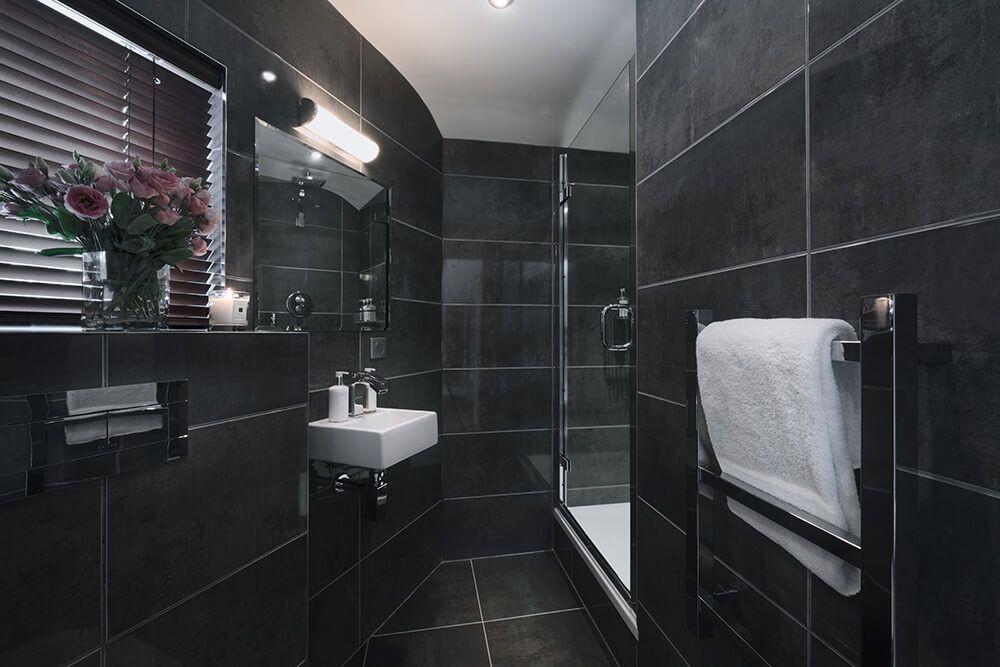 Les Gets Luxury Rental Chalet Gedrite Bathroom