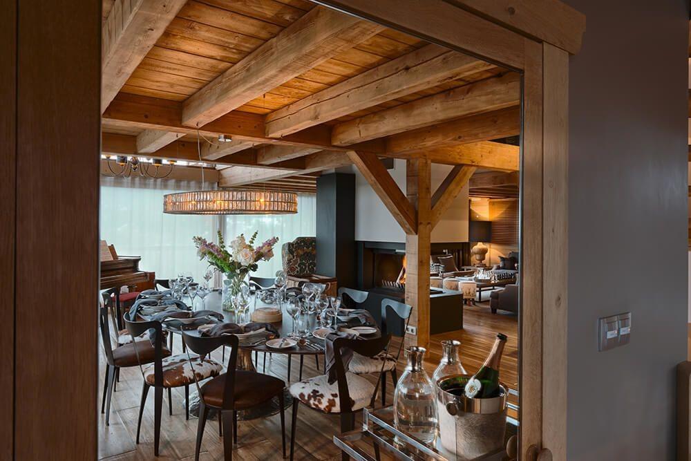 Les Gets Luxury Rental Chalet Gedrite Dining Room