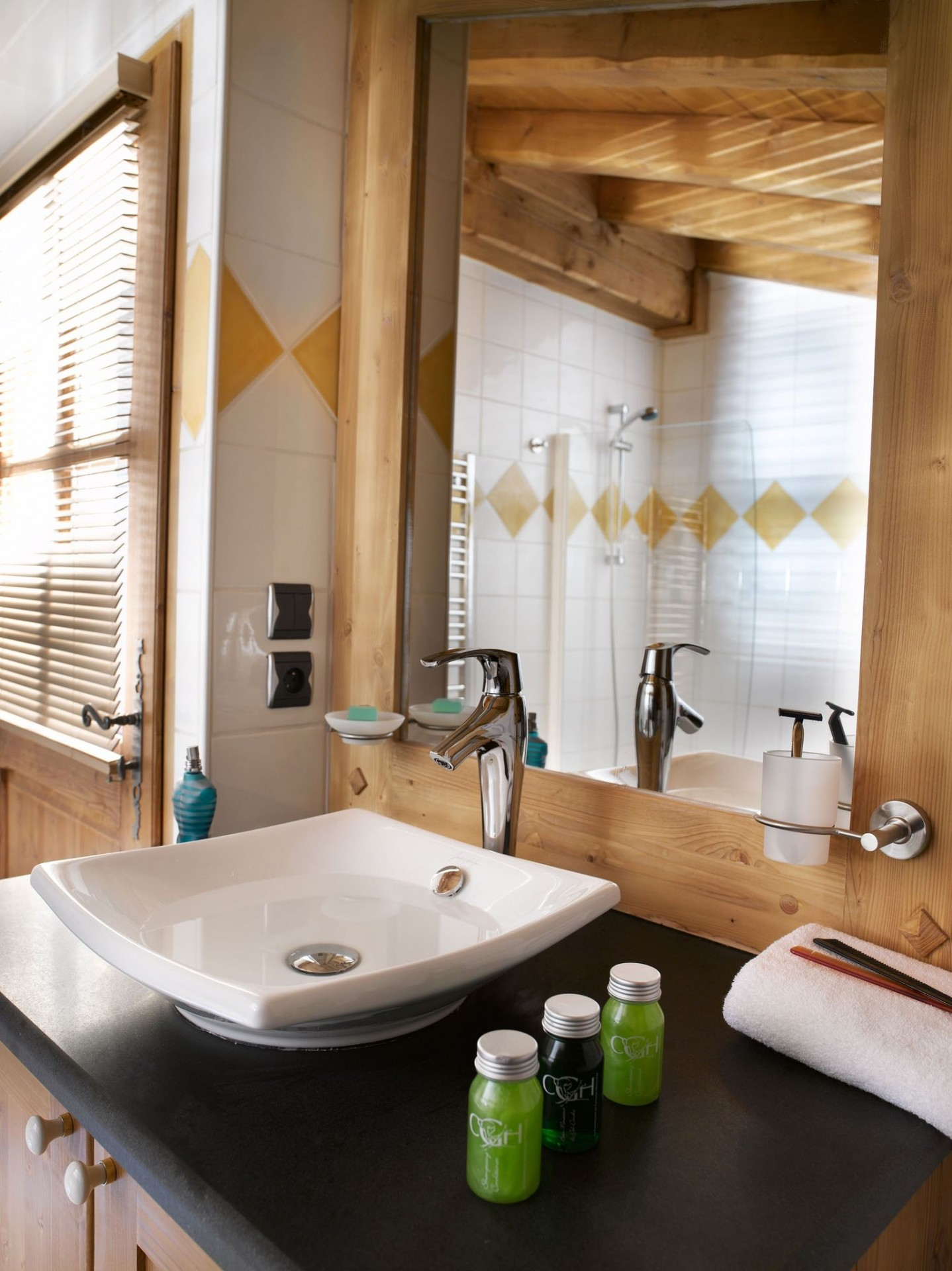 Les Houches Location Appartement Luxe Jacinthe Lavabo