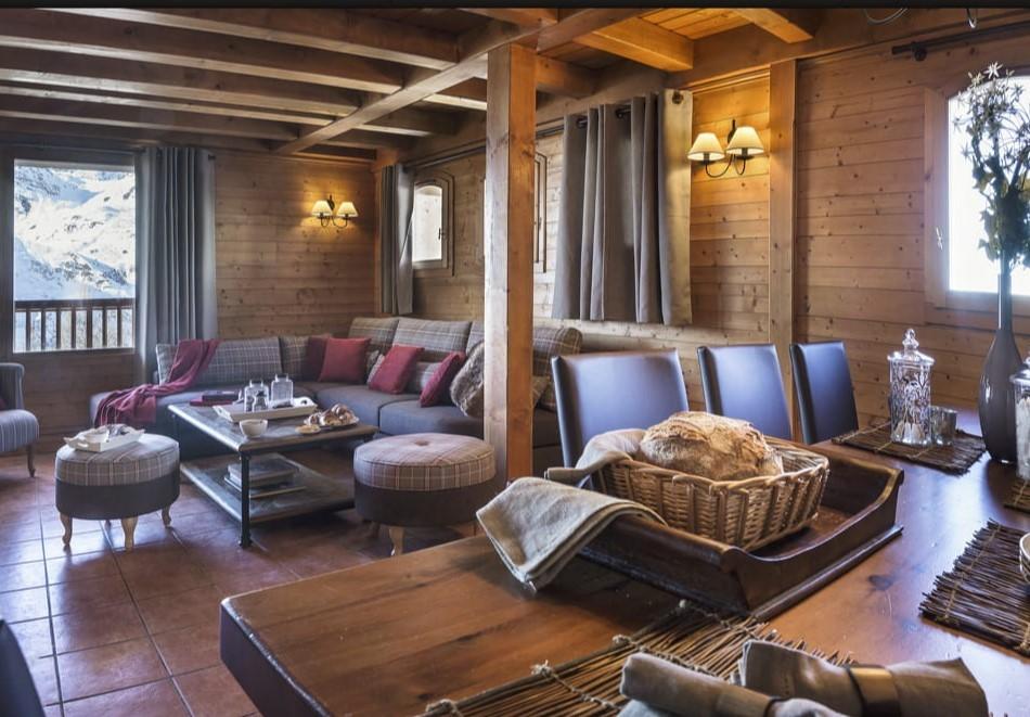 Les Menuires Luxury Rental Appartment Amuna Living Room 2