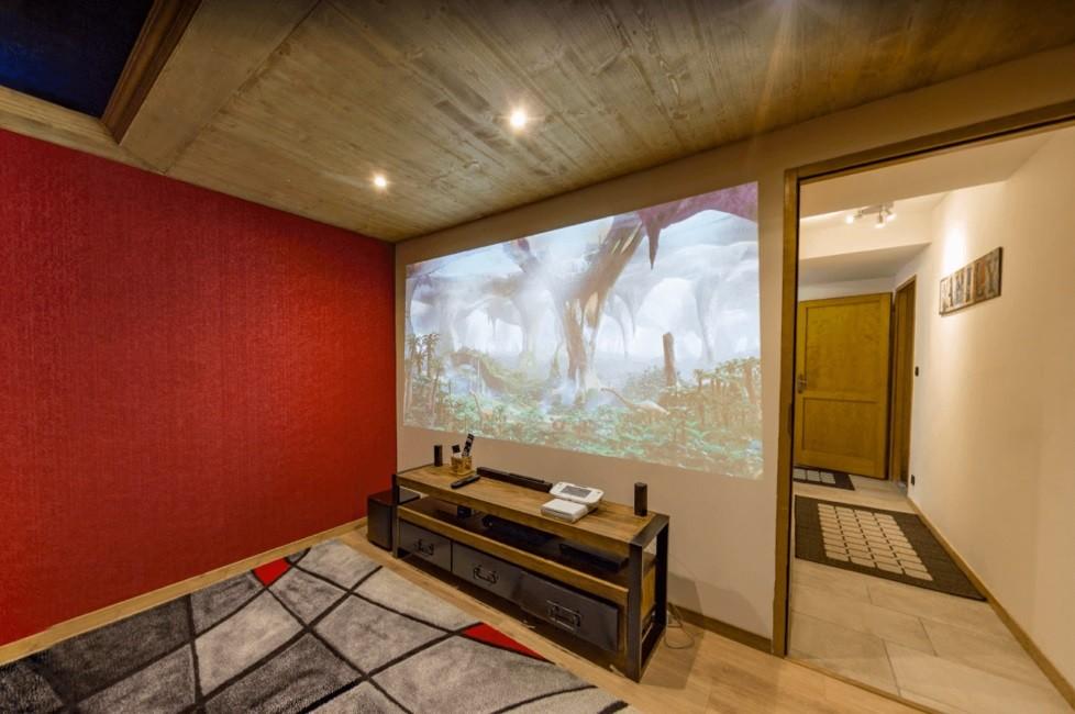 Les Menuires Location Chalet Luxe Lalinaire Salle Cinéma 2