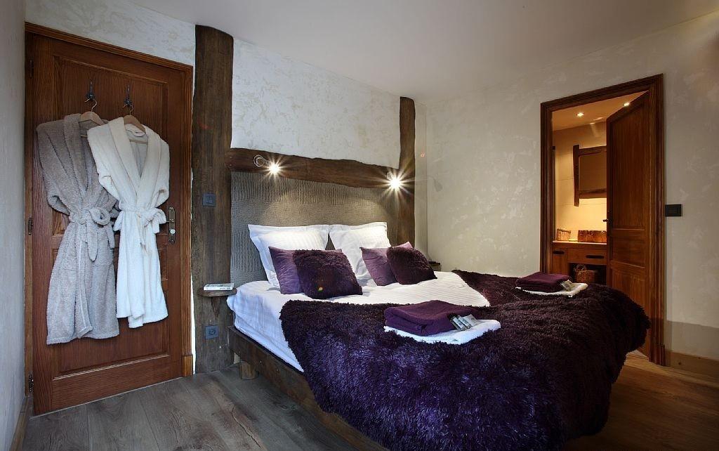 Les Menuires Luxury Rental Chalet Lanigrette Bedroom 2