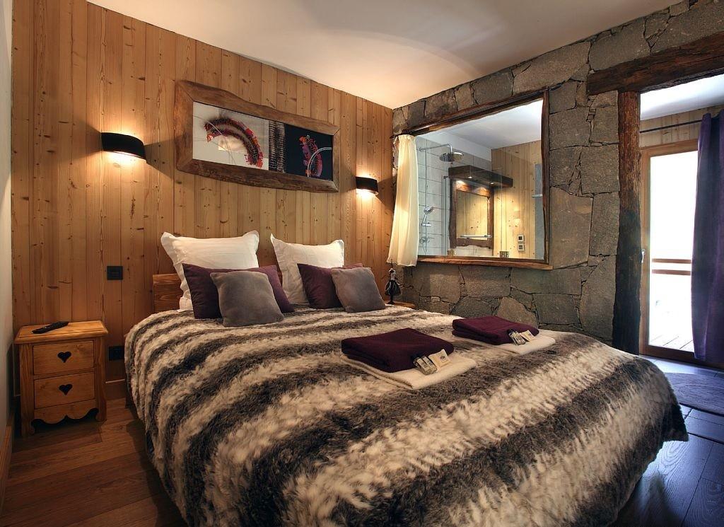 Les Menuires Luxury Rental Chalet Lanigrette Bedroom  6