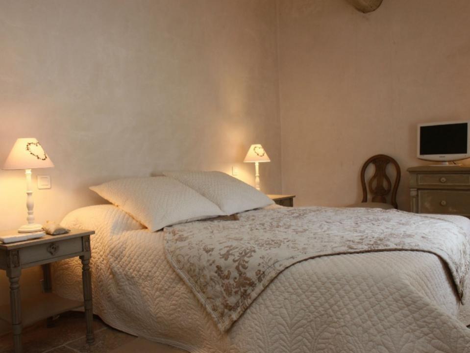 Luberon Luxury Rental Villa Limette Bedroom 3