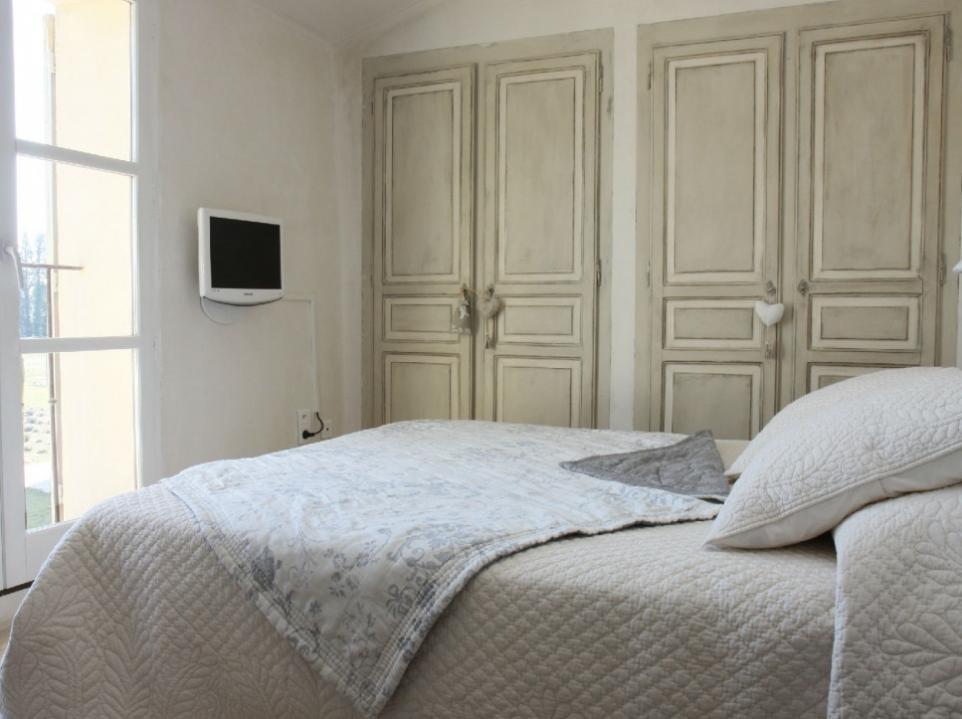 Luberon Luxury Rental Villa Limette Bedroom 4