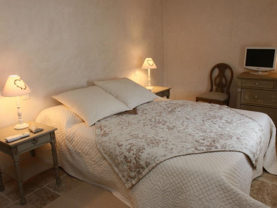 Luberon Luxury Rental Villa Limette Bedroom