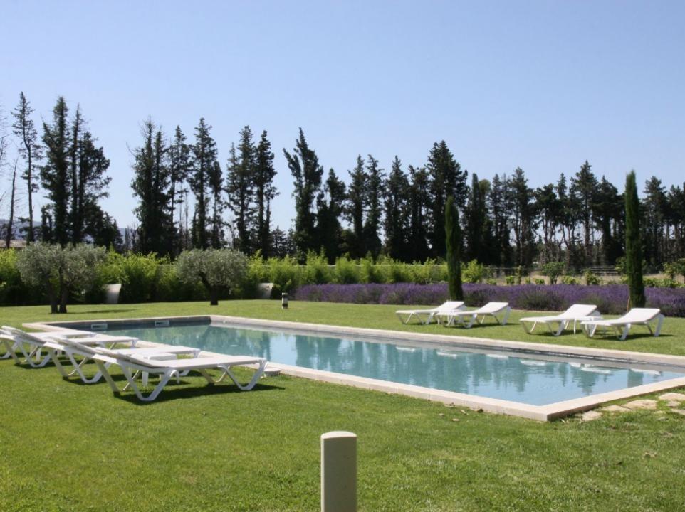 Luberon Luxury Rental Villa Limette Pool 2