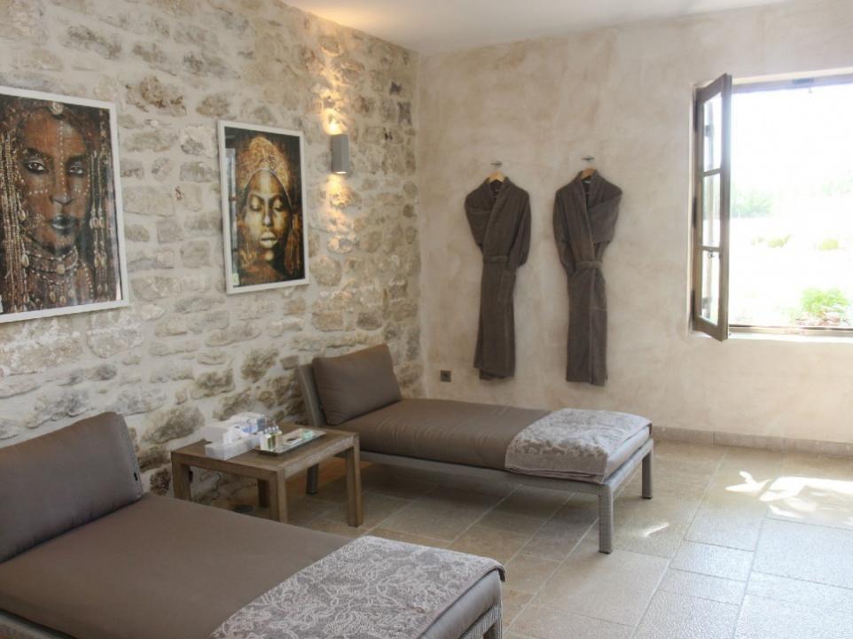 Luberon Luxury Rental Villa Lin Jaune Bedroom