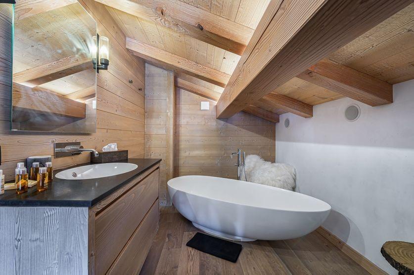 Megève Luxury Rental Chalet Sesane Bathroom 2