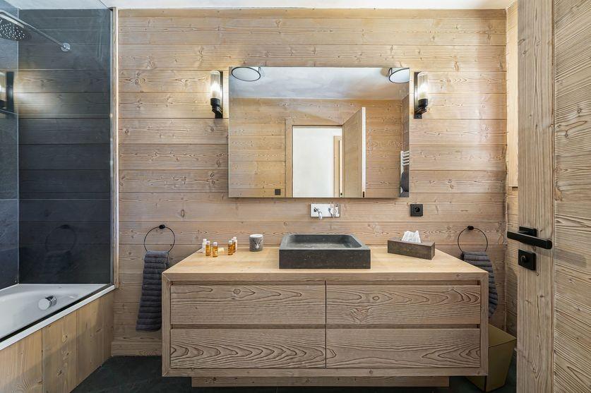 Megève Luxury Rental Chalet Sesane Bathroom