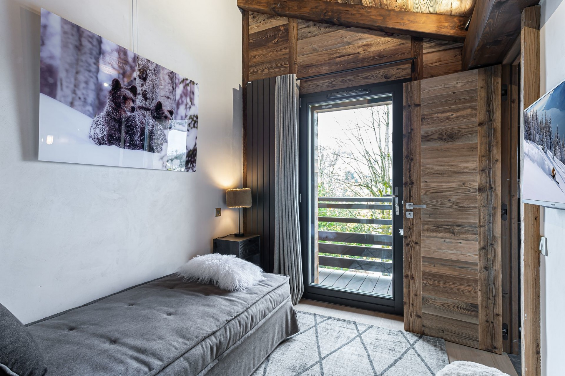 Megève Luxury Rental Chalet Sesune Bedroom 2