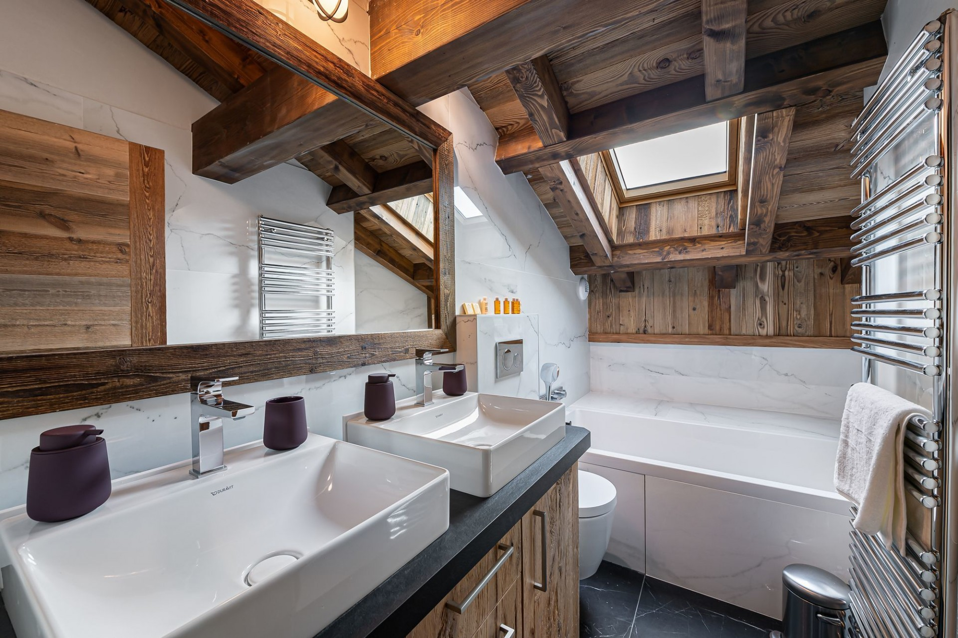 Megève Luxury Rental Chalet Sesune Bathroom