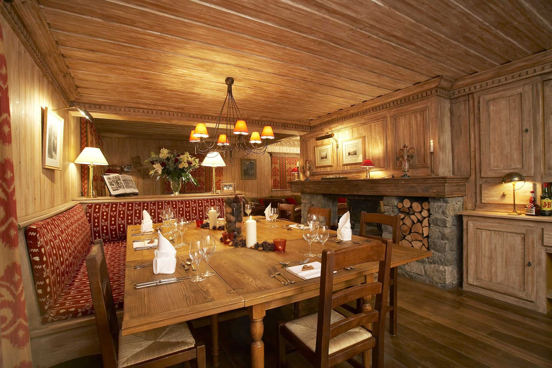 Méribel Location Chalet Luxe Ulomite Salle A Manger