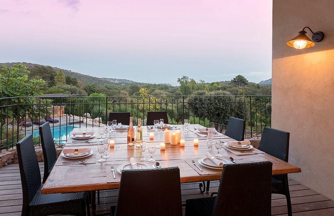 Porto Vecchio Location Villa Luxe Arukite Table A Manger