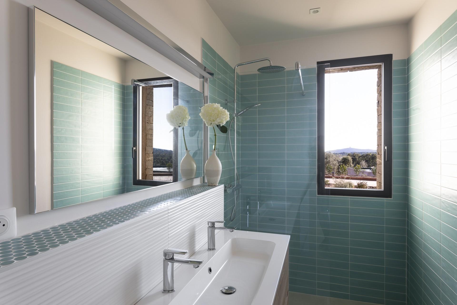 Porto Vecchio Luxury Rental Villa Perle Shower Room