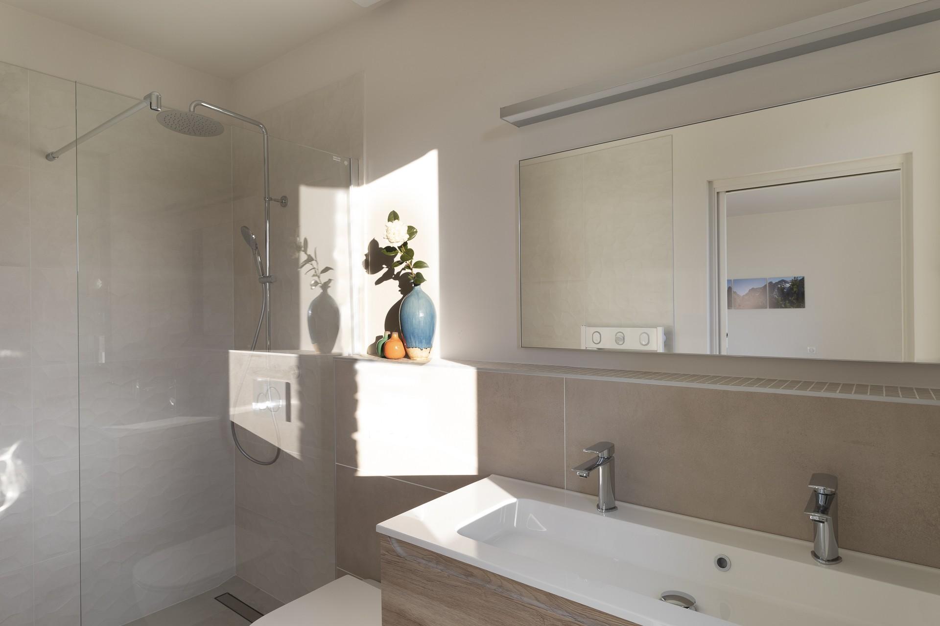 Porto Vecchio Luxury Rental Villa Perle Shower Room 3