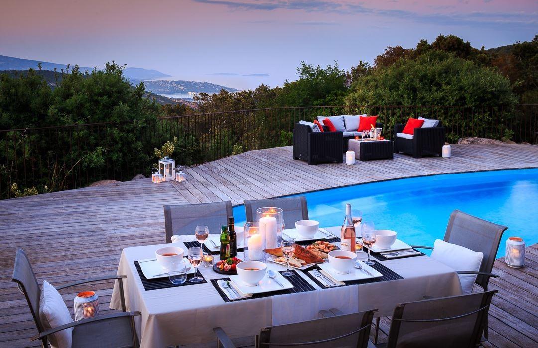 Porto-Vecchio Location Villa Luxe Qualzite Table