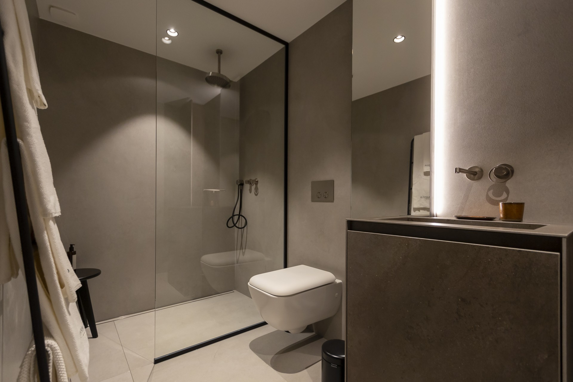 Propriano Luxury Rental Villa Pyrale Shower Room