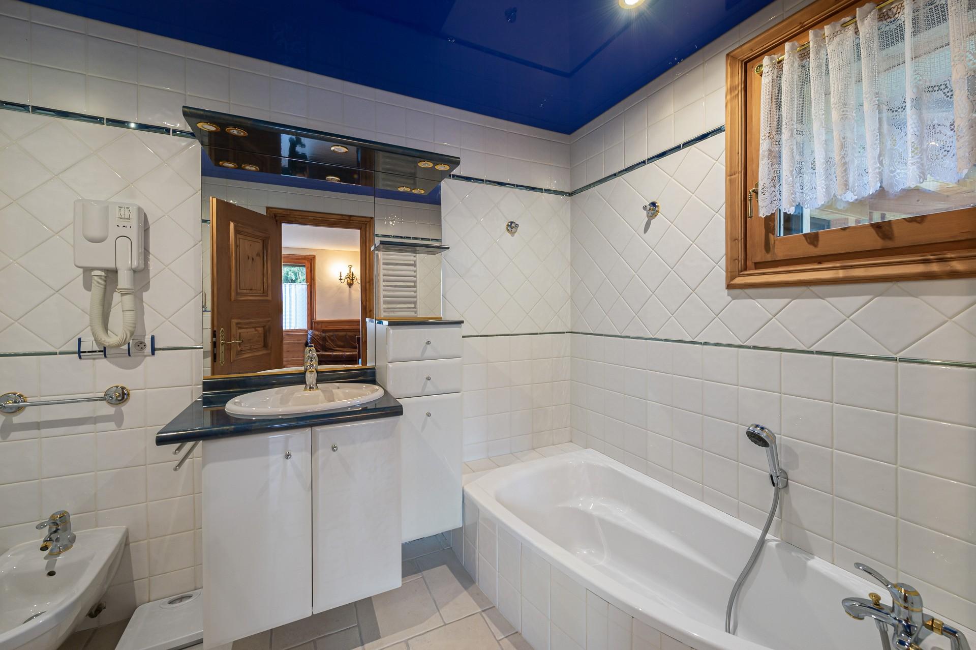 Saint Gervais Luxury Rental Chalet Galena Bathroom 2
