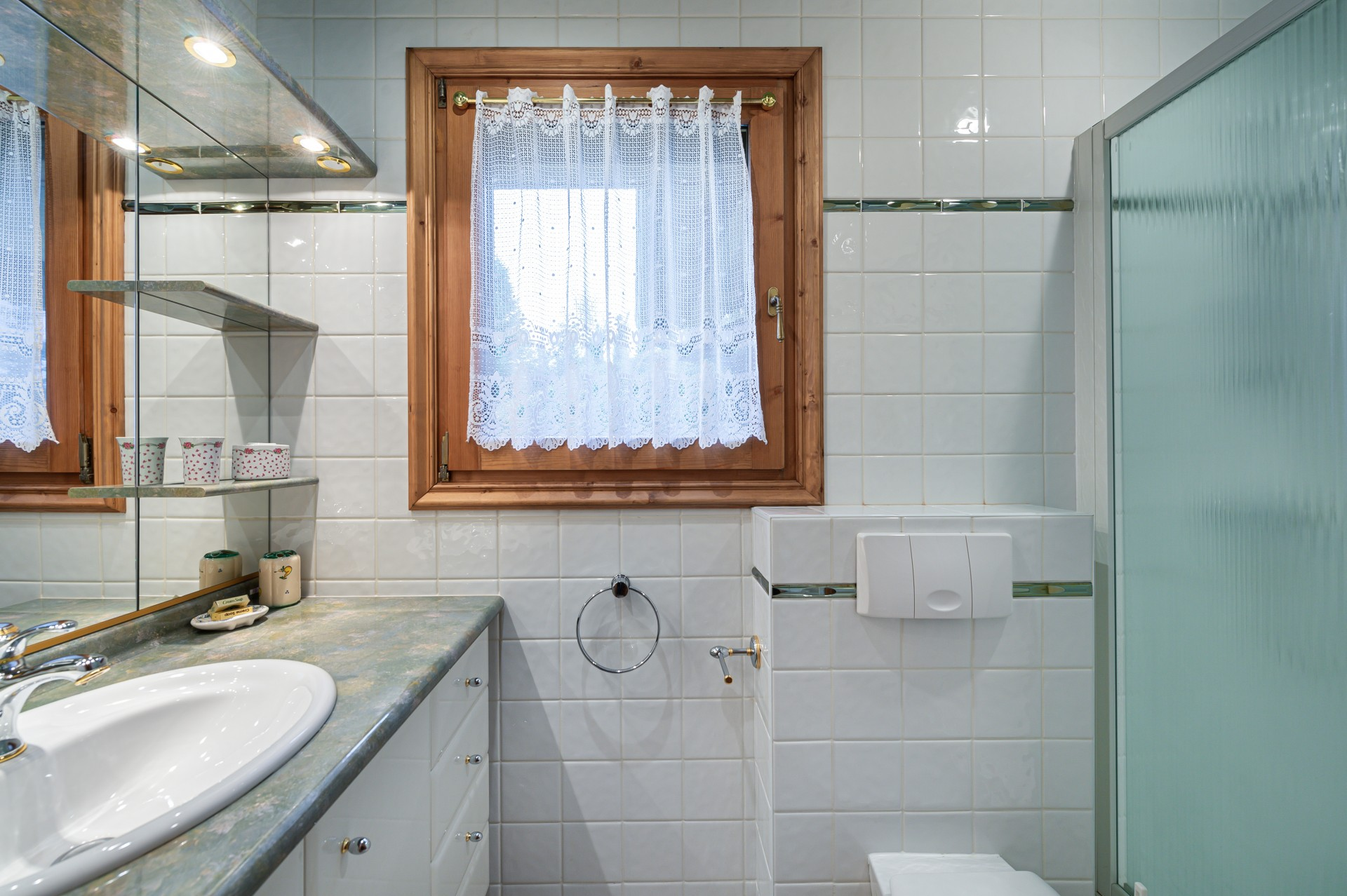Saint Gervais Luxury Rental Chalet Galena Bathroom