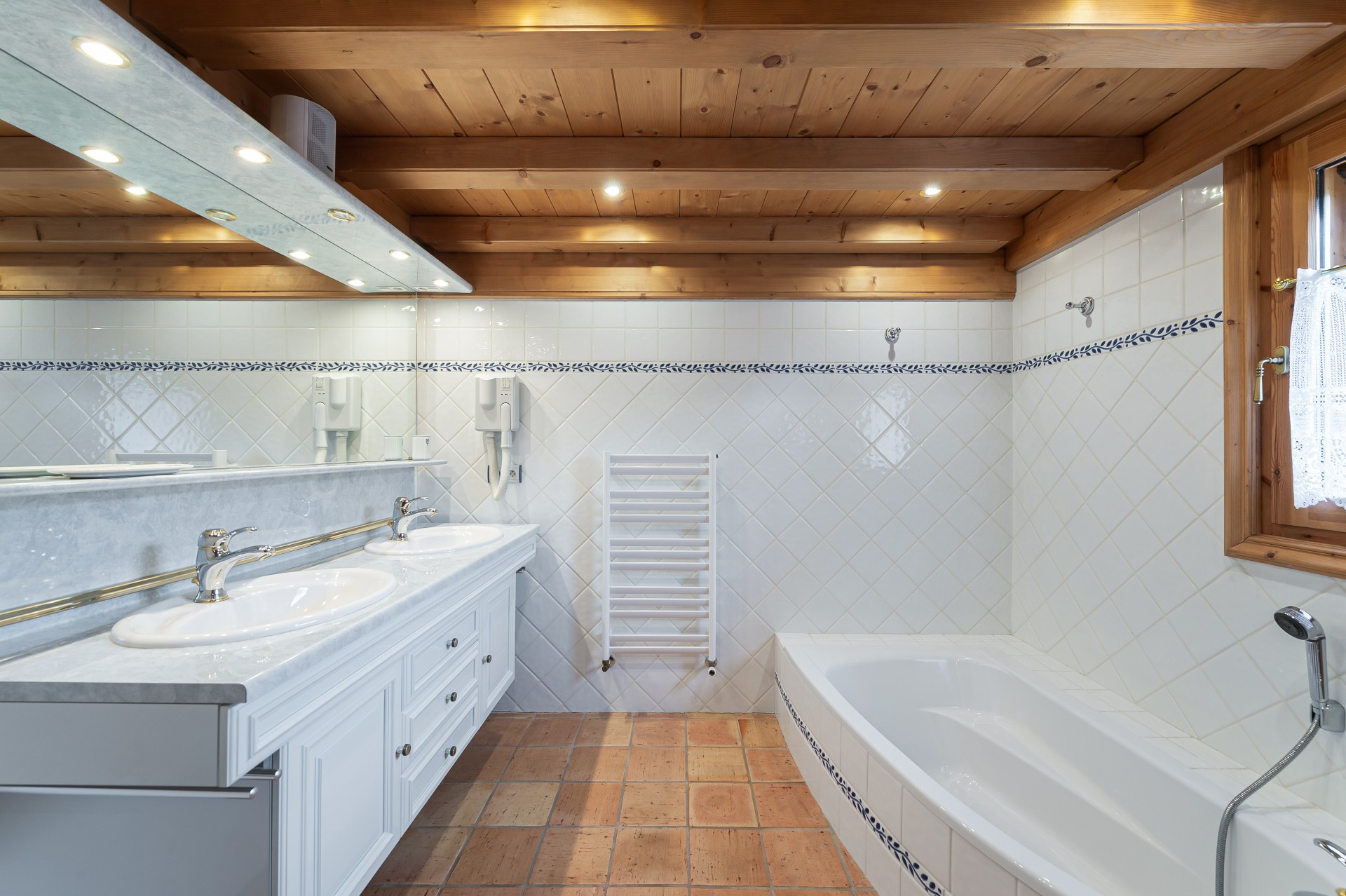 Saint Gervais Luxury Rental Chalet Galena Bathroom 4