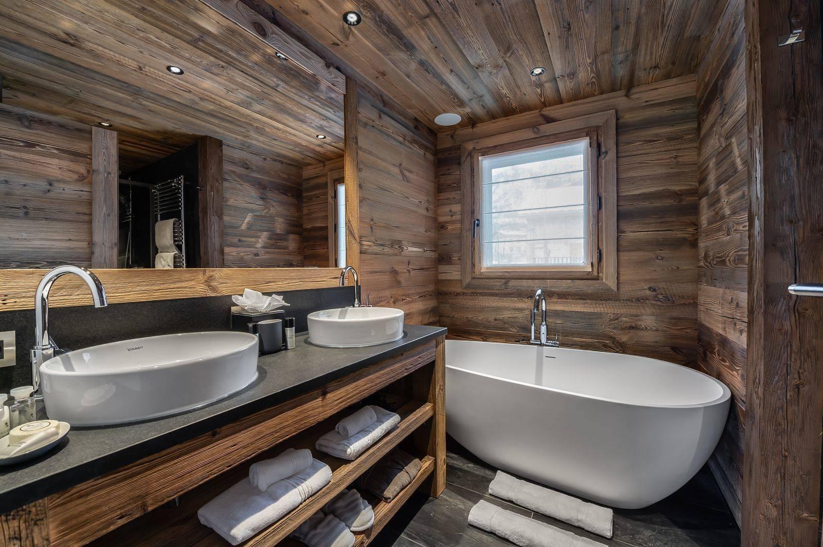 Saint Martin De Belleville Luxury Rental Chalet Ipaliu Bathroom 2