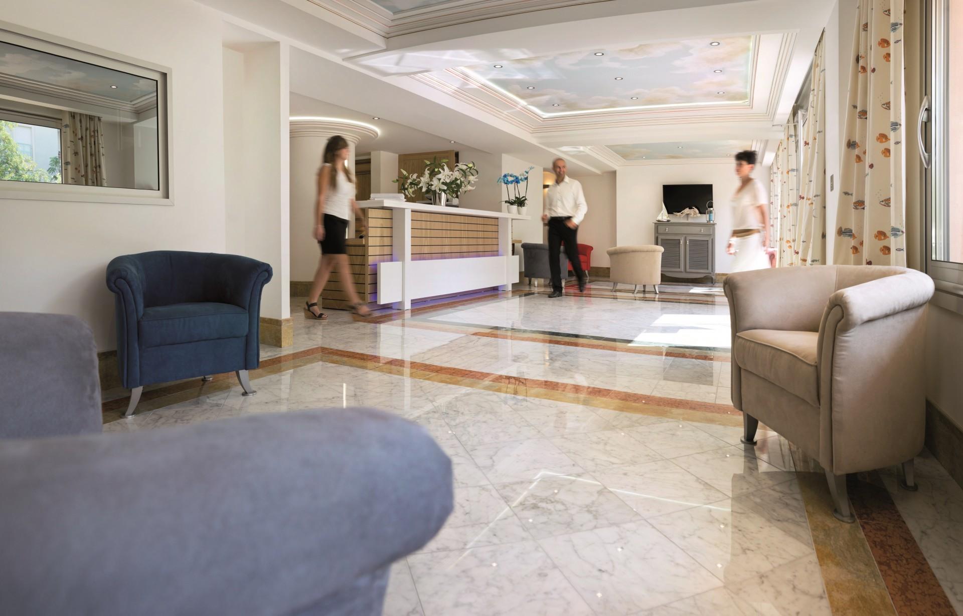 Saint Raphaël Location Appartement Luxe Séneçon Réception