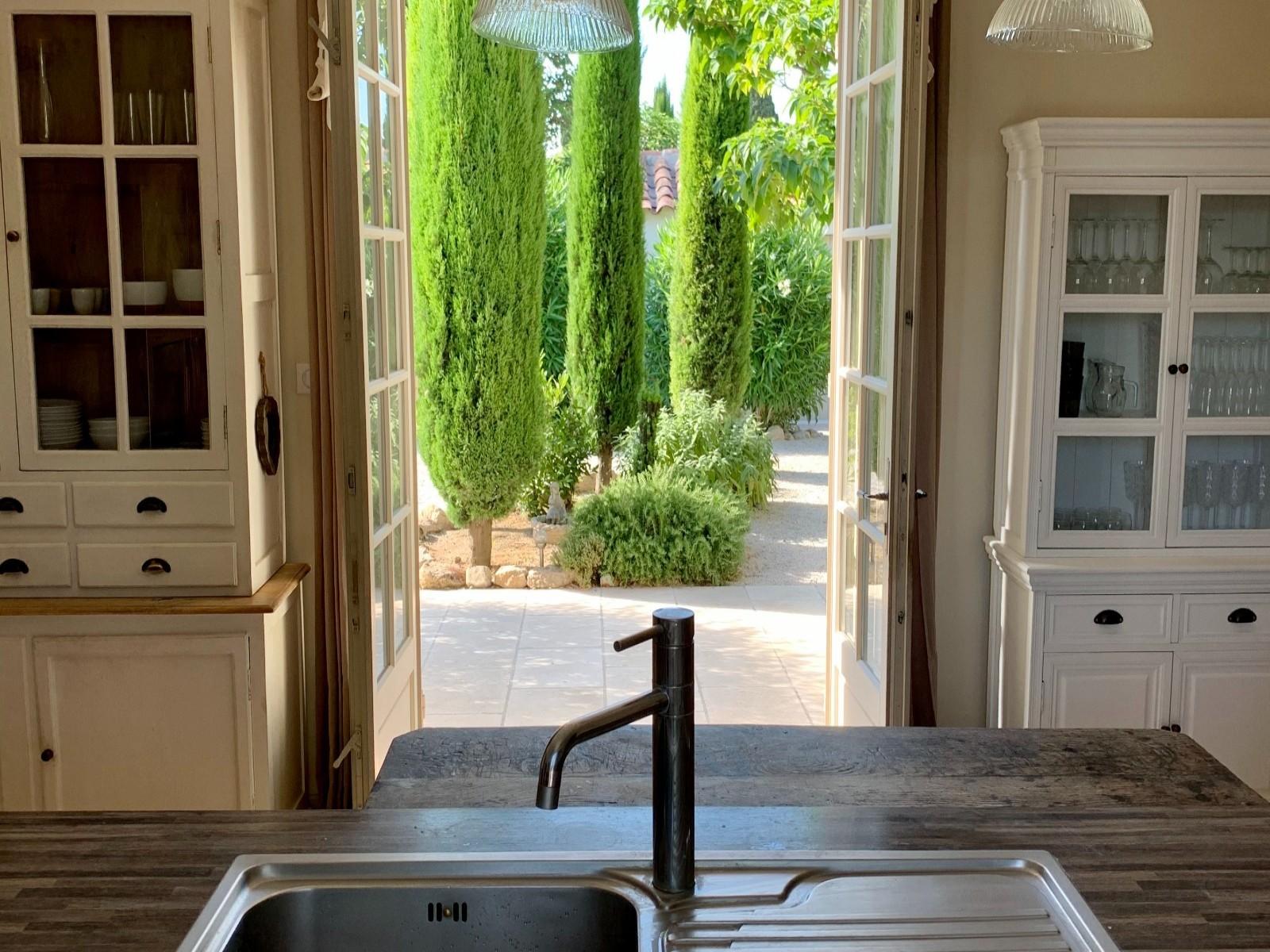 Saint Rémy De Provence Luxury Rental Villa Manina Kitchen 2