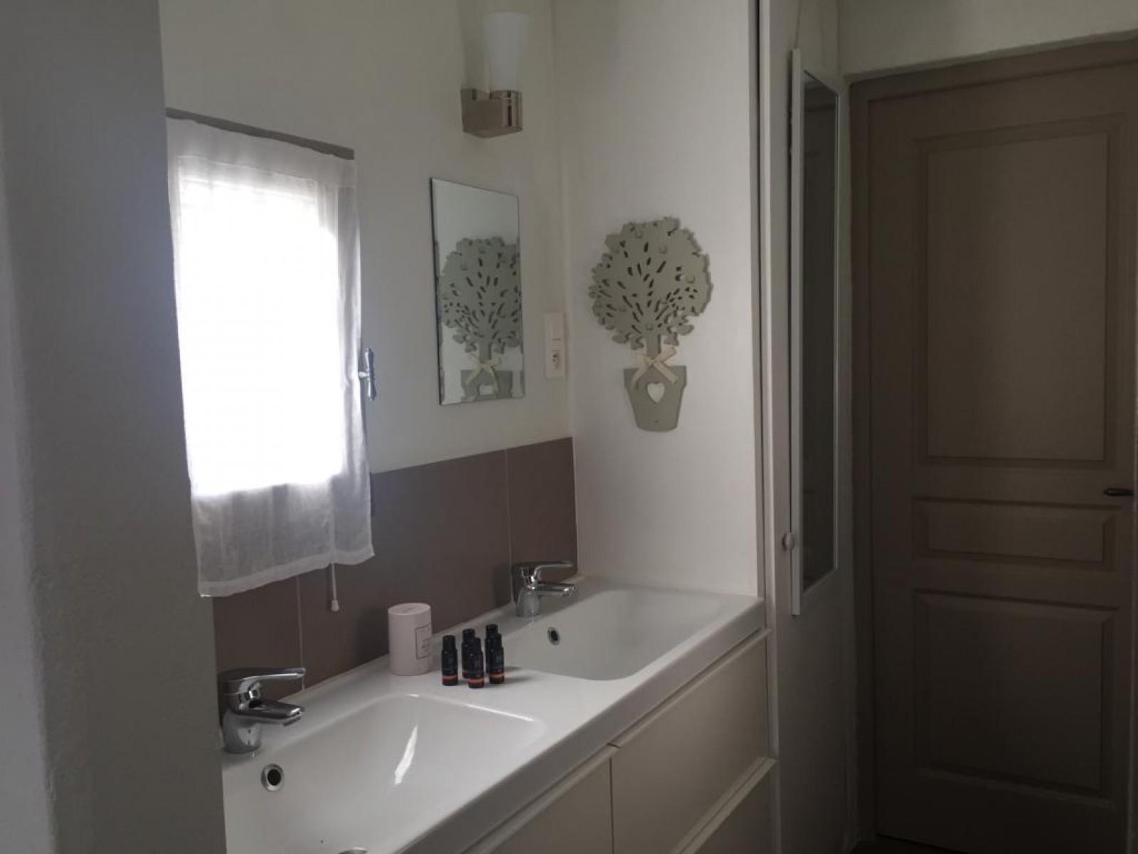 Saint Rémy De Provence Luxury Rental Villa Manina Bathroom