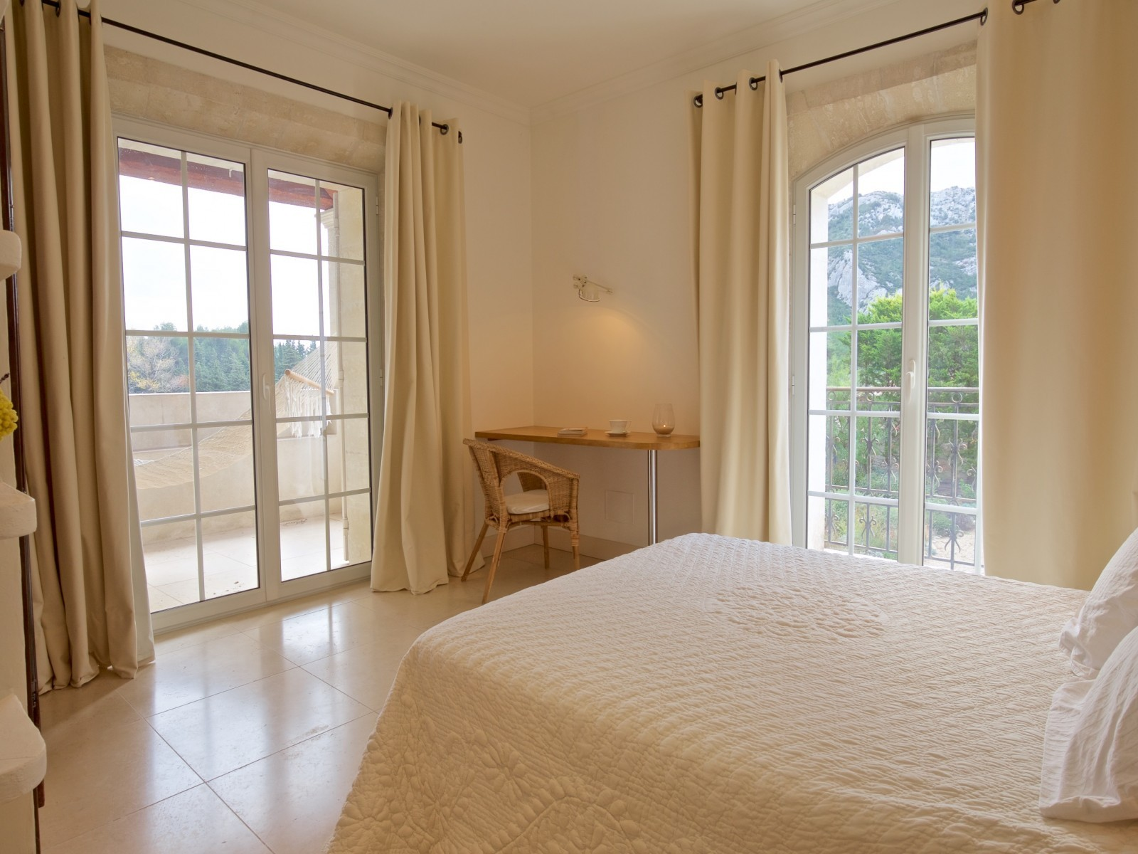 Saint Rémy De Provence Luxury Rental Villa Molduvite Bedroom 5