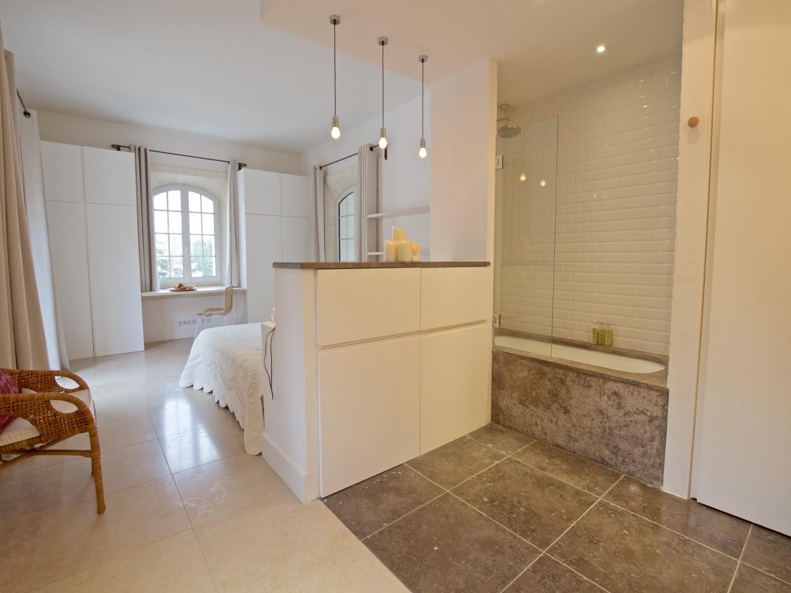 Saint Rémy De Provence Luxury Rental Villa Molduvite Ensuite Bedroom