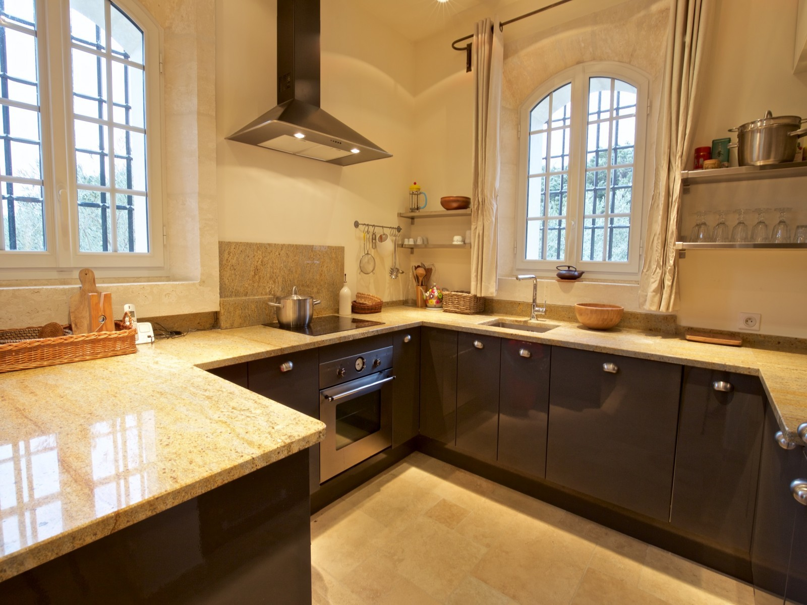 Saint Rémy De Provence Luxury Rental Villa Molduvite Kitchen 3