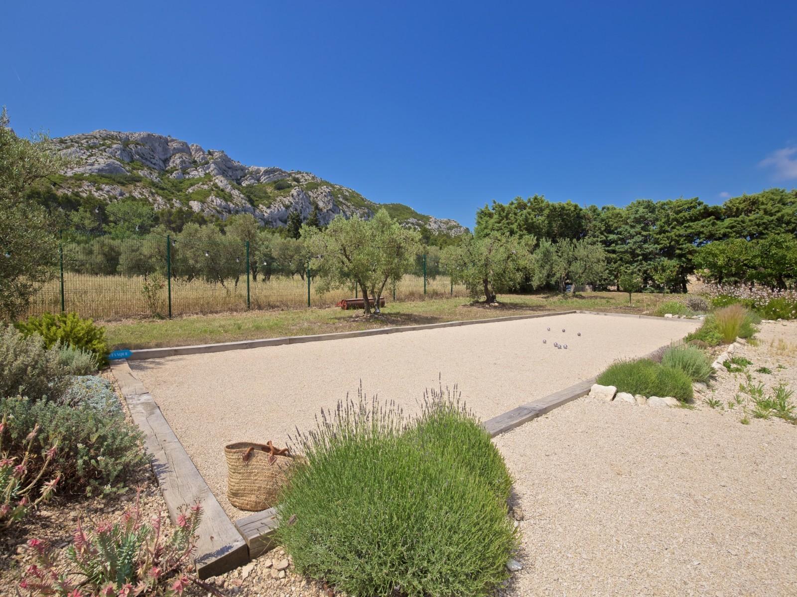 Saint Rémy De Provence Luxury Rental Villa Molduvite Petanque